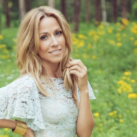Picture taken from www.sherylcrow.com